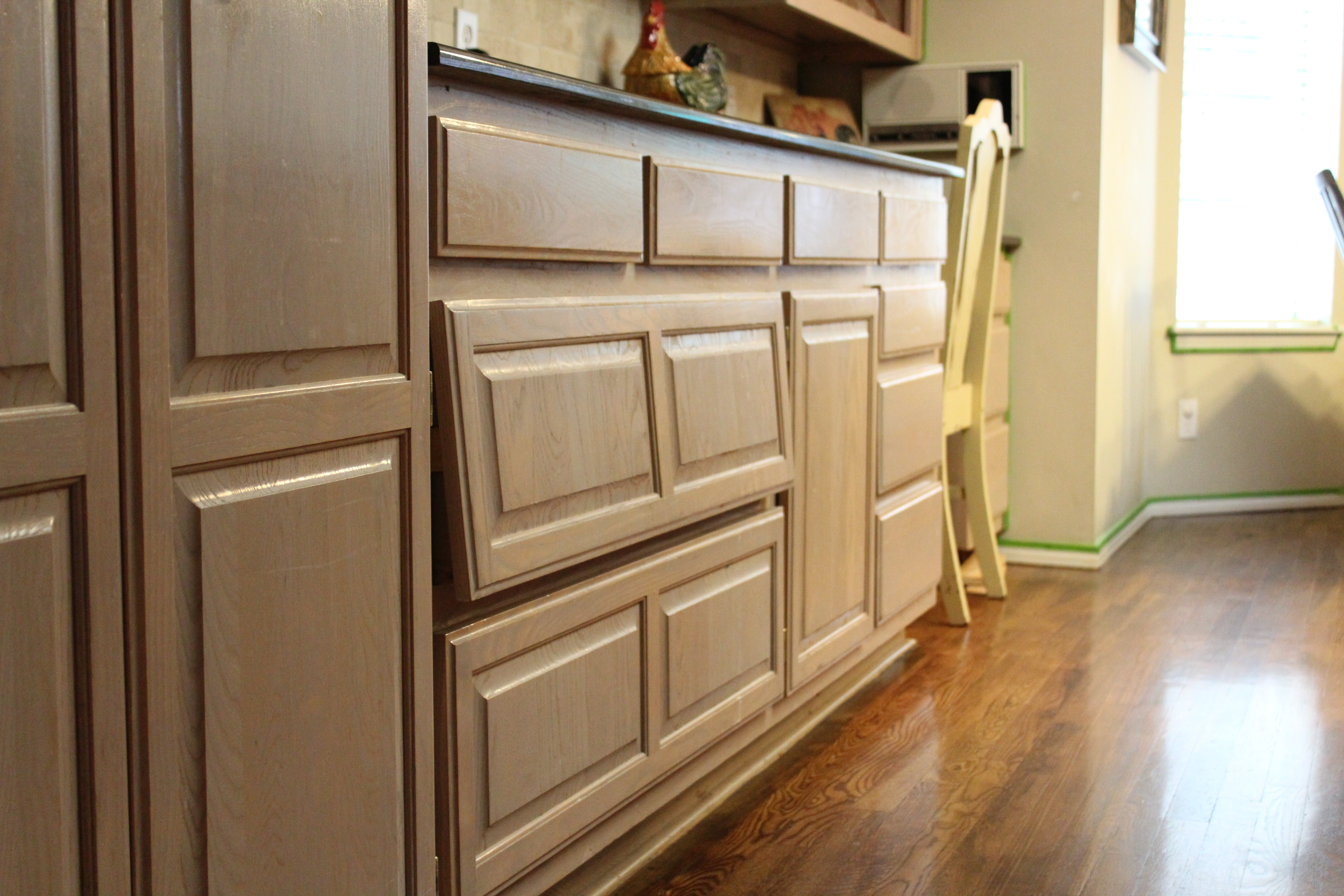 100 100 pickled oak cabinets granite kitchen for Bleached maple kitchen cabinets